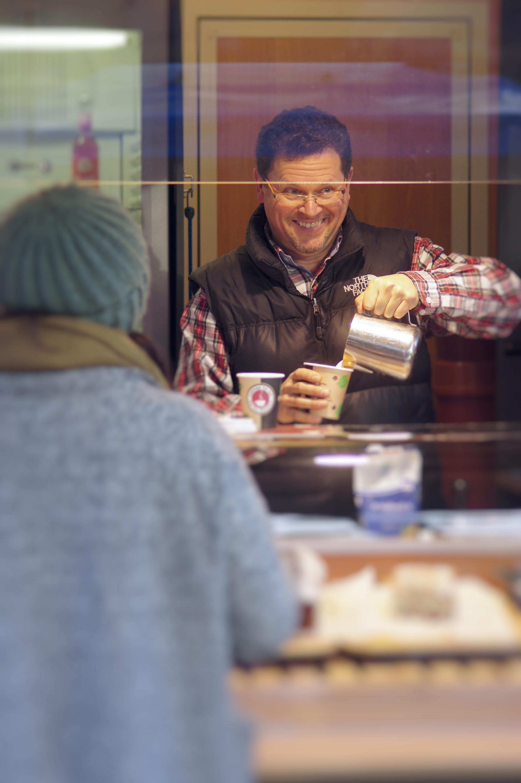 Bei Michael Jähne macht Kaffeetrinken richtig Spaß.