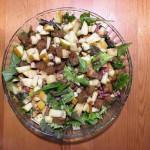 Salat mit Schinken und Croutons